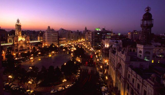 Quando il viaggio è una toccata e fuga: una notte a Valencia