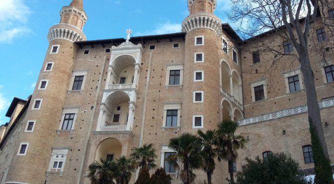 Urbino a sei zampe!