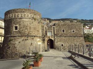 Itinerario costa tirrenica in Calabria: castello di Murat a Pizzo