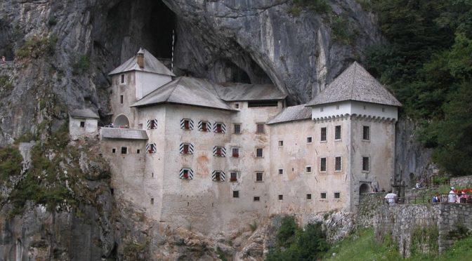 Itinerario in Slovenia con il cane: 5 tappe tra grotte, laghi e natura