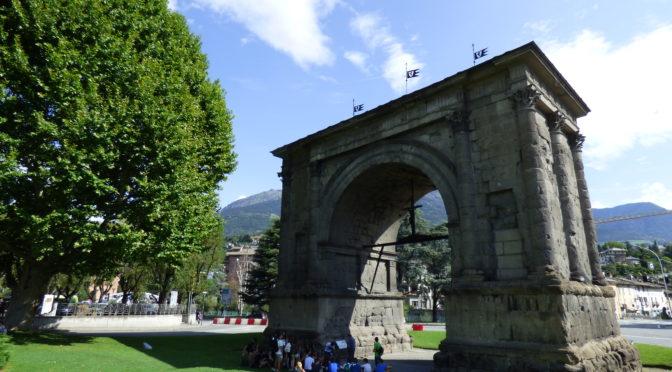 Ad Aosta con il cane: tra resti romani e passeggiate di trekking