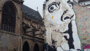 Parigi a piedi - Murale dalì
