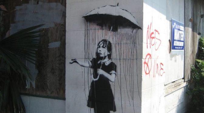 In città con il cane: alla scoperta della street art