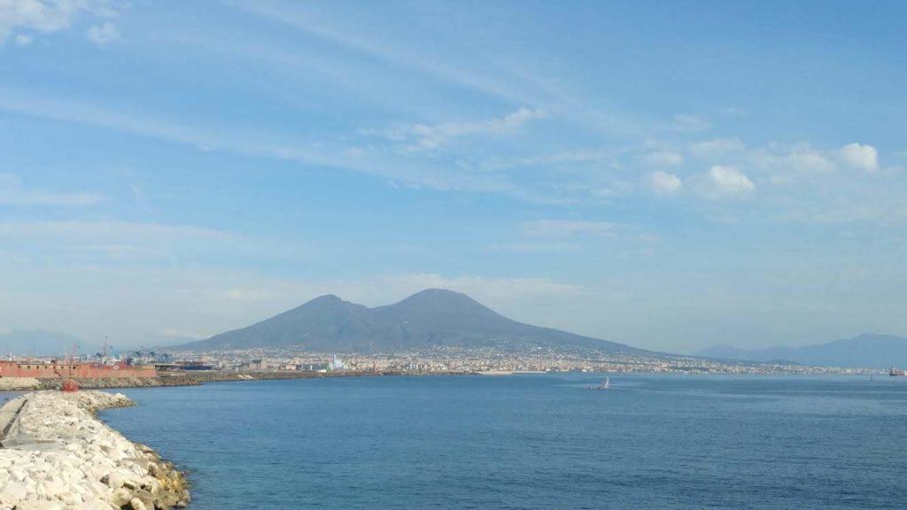 Vesuvio visto da Napoli